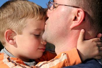 Dad Kisses boy 350